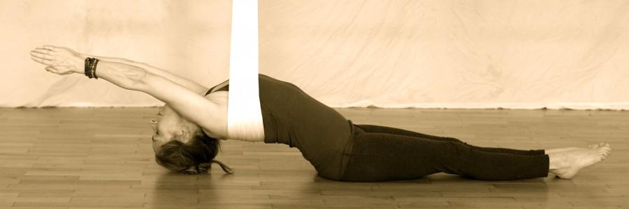 Über Aerial Yin Yoga